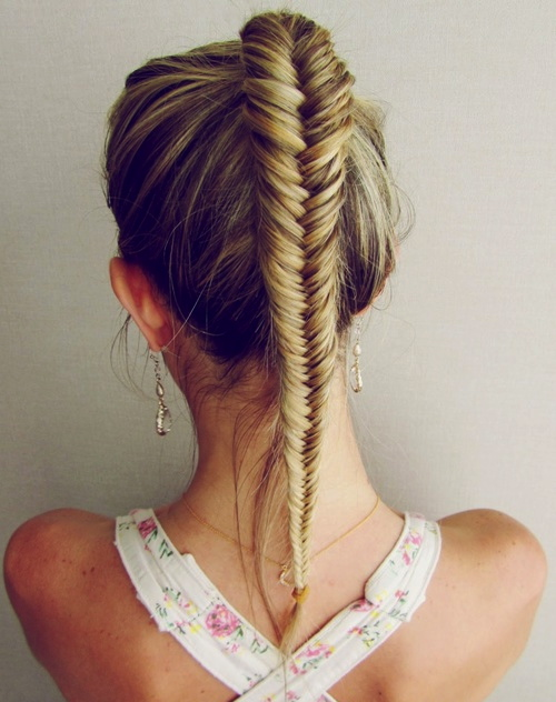 fishtail-braided-hairstyle-for-the-gym