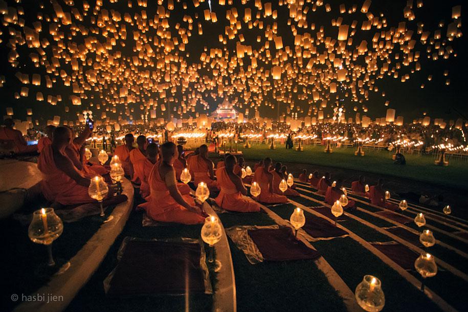 yi-peng-lantern-festival-chiang-mai-1